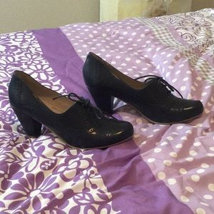Never-worn navy blue oxford heels